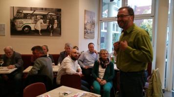 Der Vorsitzende Alexander Höpler begrüßt die Gäste